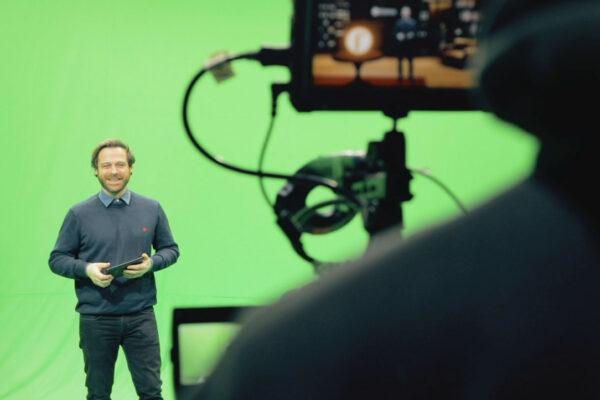 Virtual-studio-backstage-2